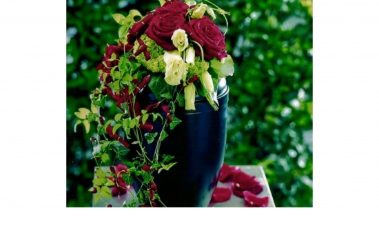 Urnengesteck Rose