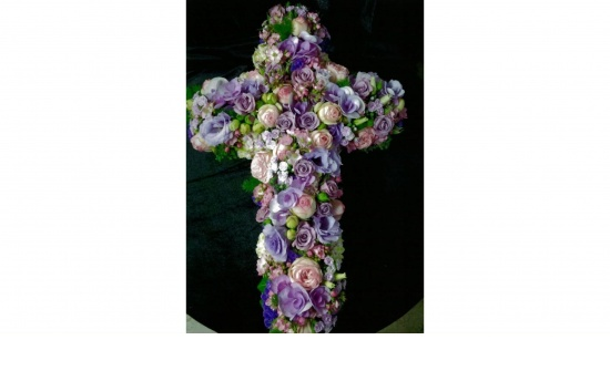 Gesteck Kreuz
